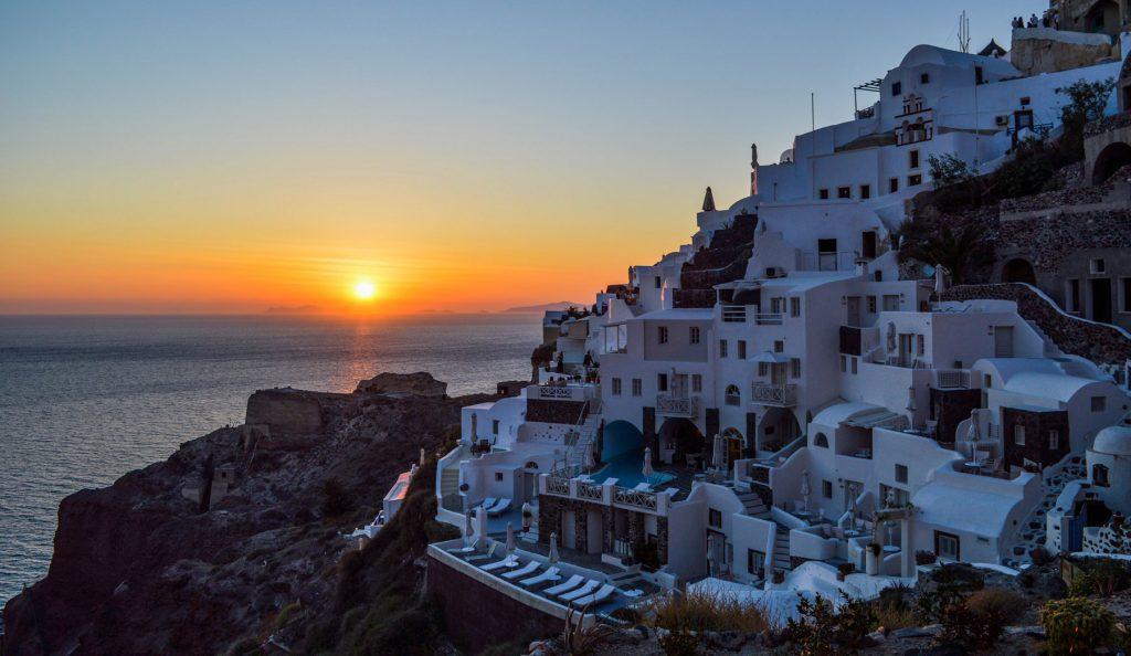 santorini-sunsets