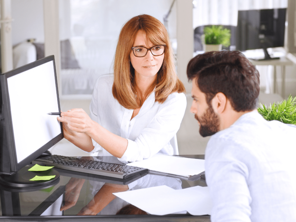 woman consulting seo